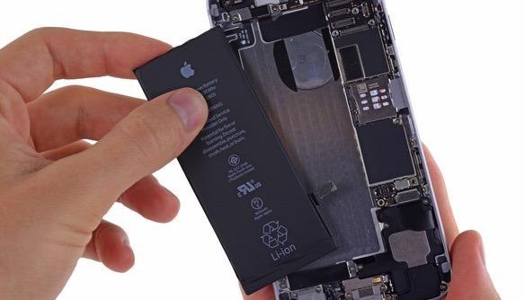 Apple popírá fámy o programu na výměnu baterií pro iPhony 6